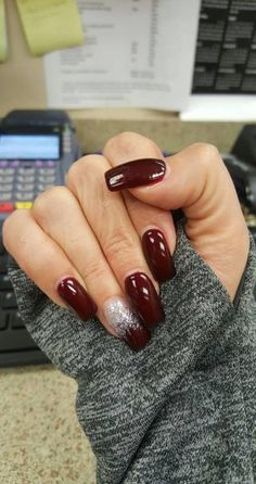 58 Ideas Nails Colors Winter Dnd For 2019 - - Winter Nails Acrylic - Winter Nails Colors 2019, Sns Nails Colors, Gel Polish Colors, Winter Colors, Acrylic Colors, Berry Nails, Dnd Gel Polish, Fall Gel Nails, No Chip Nails