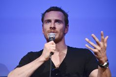 Look at those fricking fingers!    Fassinating Fassbender - A Michael Fassbender Fan Blog