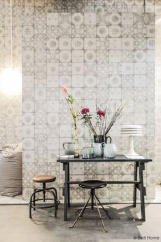 Tiles - soft, worn look for floor Bathroom Inspiration, Interior Inspiration, Deco Nature, Tile Wallpaper, Piece A Vivre, Interior Decorating, Interior Design, Creative Walls, Motif Floral