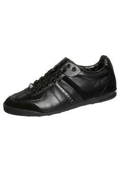 ¡Consigue este tipo de zapatillas bajas de BOSS GREEN ahora! Haz clic para ver los detalles. Envíos gratis a toda España. BOSS Green AKI Zapatillas black: BOSS Green AKI Zapatillas black Zapatos   | Material exterior: piel/piel de imitación, Material interior: tela, Suela: fibra sintética, Plantilla: tela | Zapatos ¡Haz tu pedido   y disfruta de gastos de enví-o gratuitos! (zapatillas bajas, low, low-tops, baja, bamba, lona, bambas, corte bajo, sneakers, tenis bajos, chaussures basses,...