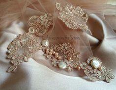 Work in progress ❤️ #shine #silver #stralucire #beads #accessoriesforstars #accesoriimireasa #brideaccessories #flower #brasov #newcollection #ivory #rose #bride #mireasa #powderpink #pink #vintage #pearls #naturalpearls #ivory #perle #perlenaturale #lace #chantilly #dantela #silk Bride Accessories, Vintage Pearls, Powder Pink, Ivory, Brooch, Silk, Beads, Rose, Flowers