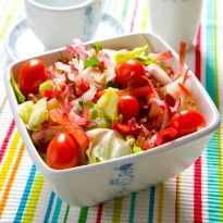 Freshen up with a Refreshing Salad: Leafy #Salad with Walnuts.