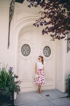 Gal Meets Glam Floral Tea Length Skirt - Shopbop BB Dakota skirt, Club Monaco top, Stuart Weitzman heels, Oliver Peoples Sunglasses, and Gucci bag