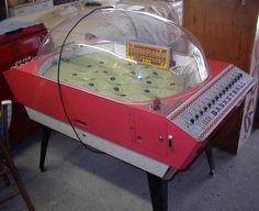 1966 Sega Basketball coin operated arcade game Arcade Game Machines, Arcade Machine, Arcade Games, Vending Machines, Vintage Games, Vintage Toys, Retro Vintage, Flipper Pinball, Penny Arcade