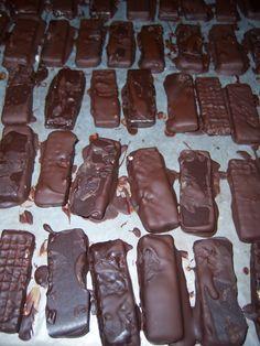 Dark Chocolate Kit Kats Vegan