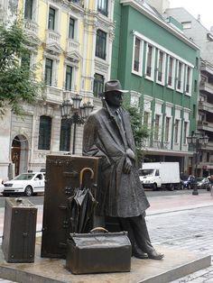 Escultura El regreso de Williams B. Arrensberg en Oviedo