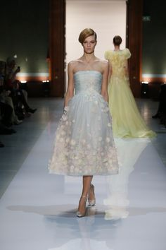 Georges Hobeika Spring/Summer 2014 Fashion Show