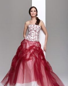 Strapless+Red+And+White+Wedding+Dresses.jpg