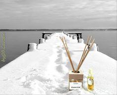 Il paesaggio italiano di questi ultimi giorni 😨 This is the Italian landscape of these last days 😨  Evaporatore profumo Neve disponibile su/ Evaporator scent Snow available on: http://monterosawicks-store.com/diffusori-barneni-essentia/essentia-neve-floz-200ml-p-125.html http://monterosawicks-store.com/candele/candele-artistiche-decorate-mano-c-35_66.html