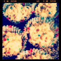 {Junk in their Trunk}: Birthday Cake Rice Krispie Treats