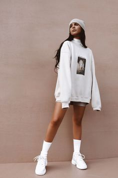 Sand Streetwear Loose Oversized Sweatshirt – LePastell This super cool Sand Streetwear Loose Oversized Sweatshirt is the biggest hit this season and will make every head turn. Match with a pair of sand bike shorts. Sweatshirt S Cute Casual Outfits, Fall Outfits, Fashion Outfits, 60 Fashion, Beanies Fashion, Casual Ootd, Cool Summer Outfits, Blazer Outfits, Edgy Outfits