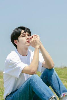 Ong Seongwu 'Moment at Eighteen' Drama Poster Filming Behind by Fantagio Ong Seongwoo, Drama Korea, Korean Drama, Ahn Hyo Seop, Handsome Korean Actors, Thing 1, Cha Eun Woo, Kdrama Actors, Poses