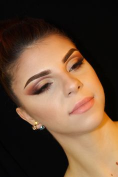 Cut crease,nude lips,eyebrows,contour,Soft browns,Glam makeup