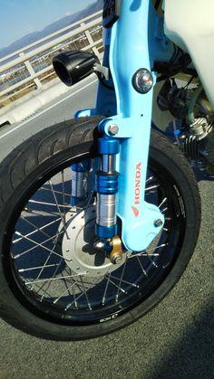 Custom Paint Motorcycle, Motorcycle Design, Bike Design, Custom Bikes, Honda Cub, Tracker Motorcycle, Moto Bike, Honda Motorcycles, Cars And Motorcycles