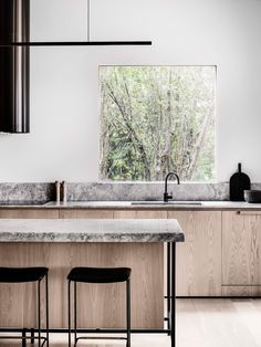 Kitchen Interior Design Merricks Guest House by Studio Esteta. Photo by Tom Blachford Best Kitchen Designs, Modern Kitchen Design, Interior Design Kitchen, Modern Interior Design, Interior Work, Interior Livingroom, Design Bathroom, Contemporary Interior, Minimalist Kitchen