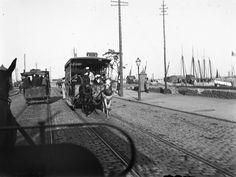 Carro americano, Atêrro (J.C.Cruz, 1880) Portugal Travel, Lisbon Portugal, Antique Photos, Capital City, Amazing Destinations, Back In The Day, Portuguese, Paths, Street View