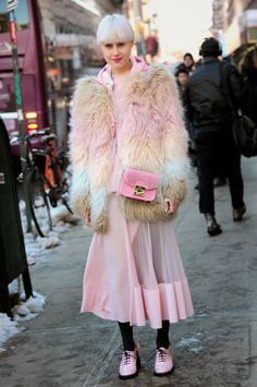 pretty in pink (& tres interesting). #LindaTol in NYC.