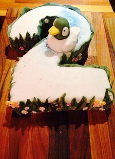 (Sarah and) Duck birthday cake