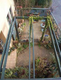 2Fベランダから : ほんの小さな庭