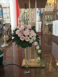 massive floral design Gladiolus Arrangements, Church Flower Arrangements, Church Flowers, Floral Arrangements, Diy Wedding Deco, Table Centerpieces, Table Decorations, Arte Floral, Garden Pots