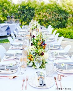 Side view of gorgeous tablescape