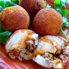 Papas Rellenas (Fried Stuffed Potatoes) are the real deal. Every Cuban restaurant in my area serves stuffed potatoes, and these really do taste authentic. Be sure to serve with hot sauce! Stuffed Potatoes, Stuffed Peppers, Mashed Potatoes, Mexican Food Recipes, Ethnic Recipes, Spanish Recipes, Spanish Food, Bolivian Recipes, Bolivian Food