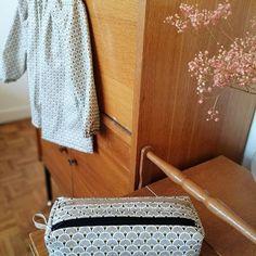 Gwendoline Gautier Després sur Instagram: Retourner à l'école et avoir la classe avec de jolis accessoires pratiques et uniques: trousse zip zip #sacotin & blouse de peinture en…