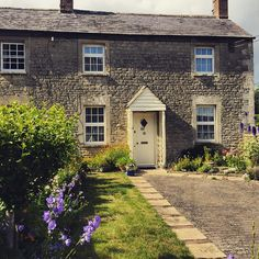 #cottage #architecture #Cotwolds #fairford #gloucestershire #england #uk #cotswoldtales