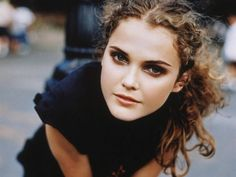 Keri Russell wallpapers Beautiful Keri Russell pictures and photos Keri Russell, Curly Hair Tips, Curly Hair Styles, Natural Hair Styles, Glamour, Natural Curls, Curly Girl, Pretty Face, Hair Hacks