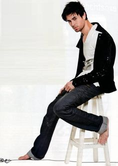 Enrique Iglesias - Official Website