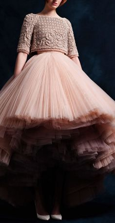 Krikor Jabotian Spring Summer 2018 collection escapes into a fantasy world