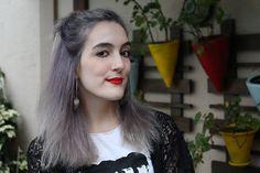 granny hair - cabelo cinza - make up - maquiagem - pin up eyeliner - delineador gatinho - batom vermelho - red lips - piercing - white skin - strong lips