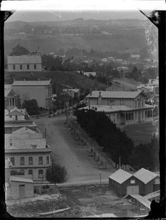 Market Place, Whanganui, includes the Railway Hotel