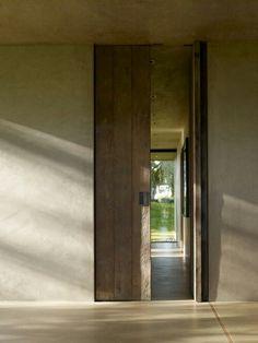 Wood door size & brass handle >!