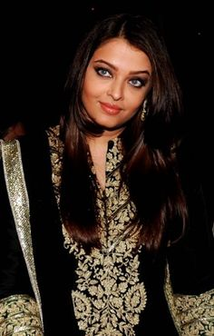 Bollywood's biggest book worm: Aishwarya Rai brings glamour to literary launch with husband Abhishek Bachchan in tow Bollywood Celebrities, Bollywood Actress, Mark Smith, Beautiful Film, Aishwarya Rai Bachchan, Celebrity Gossip, Book Worms, Curves, Bring It On