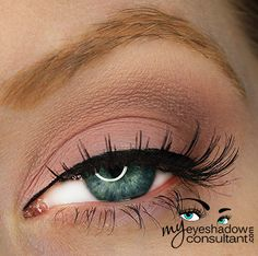 Eyeshadow for More Mature / Hooded Eyes Bloopers Mac Eyeshadow Looks, Eyeshadow For Hooded Eyes, Mac Makeup Looks, Hooded Eye Makeup, Love Makeup, Hair Makeup, Sweet Makeup, Eyeshadow Ideas, Prom Makeup