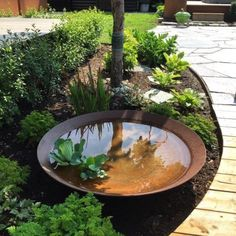 wasser im garten Love the idea of using this as a pond for water plants during spring amp; summer, then you could fill with rocks or firewood for the winter. Ponds Backyard, Backyard Landscaping, Landscaping Ideas, Backyard Ideas, Wooded Backyard Landscape, Garden Ponds, Garden Fountains, Pool Ideas, Patio Ideas