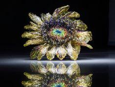 Gold sunflower brooch - flower wire sculpture artists - modern contemporary jewelry - wedding jewellery - anniversary gift for her Handmade Wire, Brooches Handmade, Handmade Jewelry, Modern Jewelry, Jewelry Art, Jewellery, Jewelry Accessories, Wire Art Sculpture, Modern Hippie Style