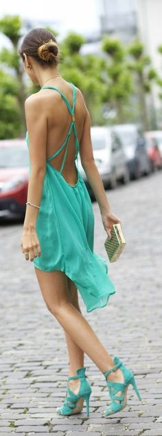 Latest fashion trends: Women's fashion | Vaporous backless teal dress with matching heels