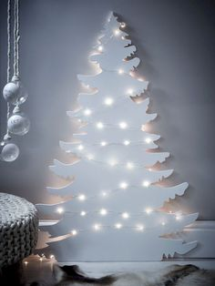 Cool 40 Creative DIY Alternatives Christmas Tree Ideas You Can Make. More at http://trendecor.co/2017/11/10/40-creative-diy-alternatives-christmas-tree-ideas-can-make/