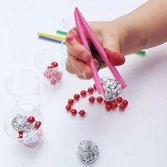 Motor Activities, Craft Activities, Toddler Activities, Toddler Age, Toddler Learning, Beaded Garland, Garlands, Preschool Lessons, Preschool Ideas