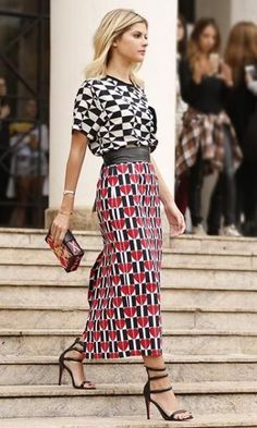 Is The Print Mixing Trend going to be Continued to the Next Fashion Season ? Look Street Style, Street Looks, Street Styles, Next Fashion, Fashion Outfits, Womens Fashion, Fashion Tips, 80s Fashion, Ladies Fashion