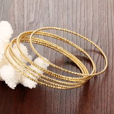 9 Simple Look Plain Gold Bangles Designs from India Plain Gold Bangles, Gold Bangles Design, 9ct Gold Bracelet, Gold Bracelets, Gold Necklaces, Urban Jewelry, Gold Jewelry, Jewelery, Quartz Jewelry