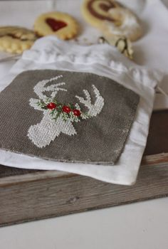 luli / this site has many beautiful small cross stitch patterns - this is just one of my favorites