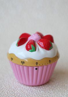 Strawberry Cupcake Kitchen Timer, Modern Vintage Home & Office. Cute Kitchen, Kitchen Dining, Kitchen Decor, Gold Kitchen, Kitchen Stuff, Country Kitchen, Dining Rooms, Strawberry Kitchen, Cupcake Collection