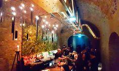 Lust auf einen neuen Geheimtipp? Die Krypt Bar im 9. ist ein absolutes Highlight am Wiener Barhimmel, das sich sehr gut versteckt hält. Bar, Vienna, Concert, Travel, Painting, Sissi, Places, Secret Places, Nightlife