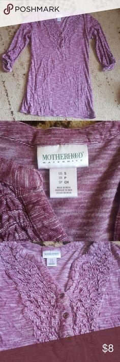 Motherhood Maternity top Maroon and grayish color with 3 bronze buttons 3/4 sleeve Motherhood Maternity Tops