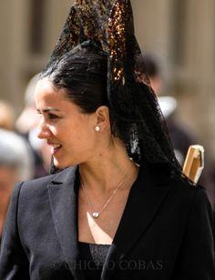 Mujer  con  mantilla  española Semana  Santa  de  Malaga