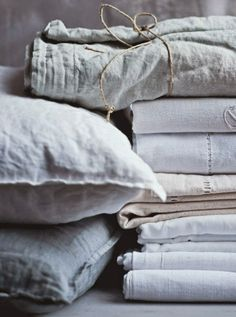 beautiful linen sheets and pillows in muted natural tones Linen Sheets, Linen Pillows, Linen Fabric, Linen Bedding, Bed Sheets, Bedding Sets, Grey Fabric, Textiles, Beige Bed Linen