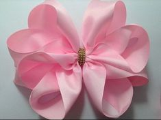Neira Gracy shared a video Discover thousands of images about Basic 3 Inch Hair Bow Pair Aqua by LadybugBowtique on Etsy This Pin was discovered by hip Ribbon Art, Ribbon Hair Bows, Diy Hair Bows, Diy Bow, Ribbon Crafts, Hair Bow Tutorial, Flower Tutorial, Band Kunst, Boutique Hair Bows